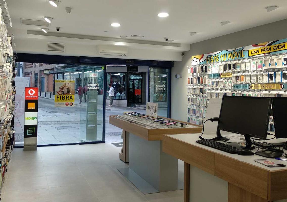 MásMóvil continúa liderando y Vodafone vuelve a ganar clientes en el mes de agosto